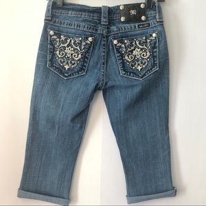 Miss Me Medium Wash Low Rise Cropped Jeans